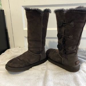 Gently Used Uggs SZ 7 Women